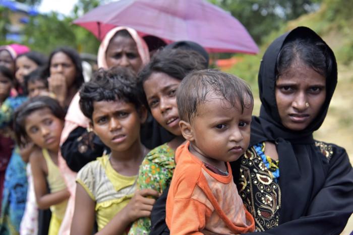 A minoria rohingya, de Mianmar (Ásia), é uma das mais perseguidas do mundo, em razão de questões étnicas e religiosas.[1]