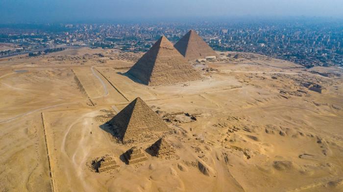 Vista aérea das pirâmides do Egito
