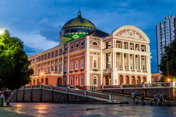 O Teatro Amazonas é um equipamento cultural de Manaus que foi construído durante o Ciclo da Borracha. [1]