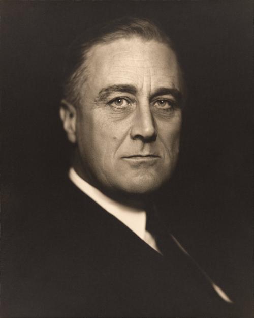 ranklin D. Roosevelt foi presidente dos Estados Unidos e aplicou em seu governo o New Deal, programa de recuperação econômica após a crise de 1929.
