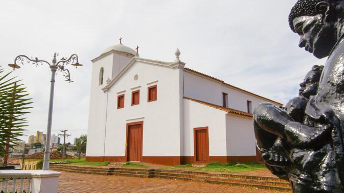 Fachada da Igreja de São Benedito, um dos marcos fundadores de Cuiabá, Mato Grosso.