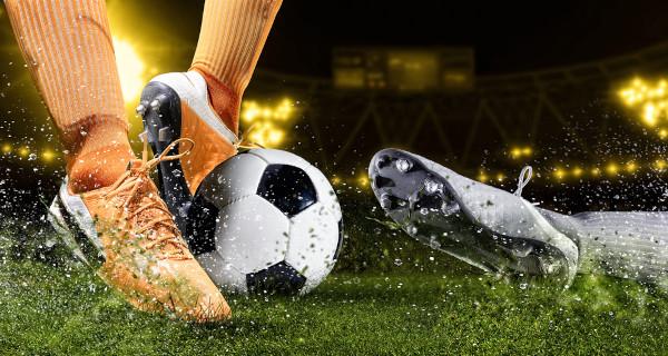 O futebol é considerado o esporte coletivo mais popular do mundo.