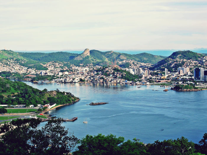 Vista aérea da ilha de Vitória, Espírito Santo.