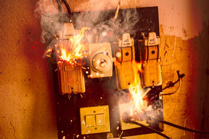 Curto-circuito em um sistema