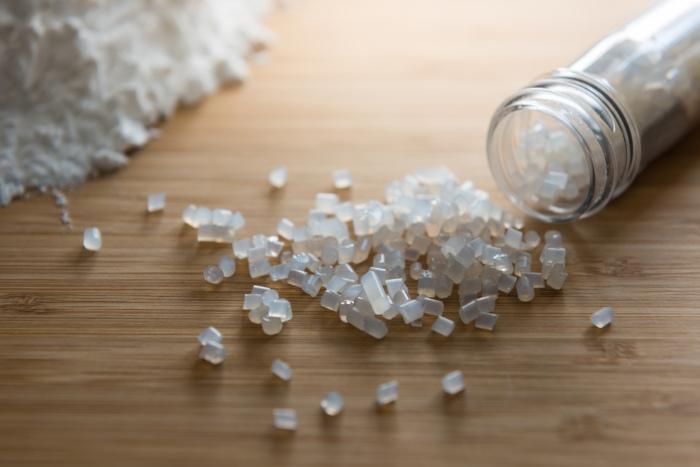 Pedaços de polímero biodegradável produzido a partir do amido.
