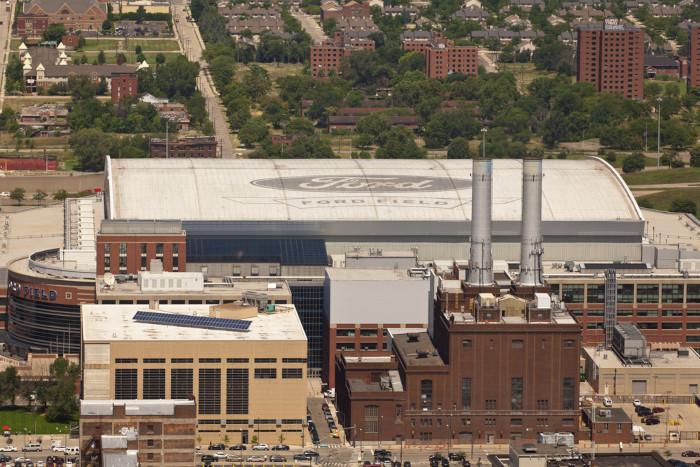 Vista aérea de unidade da Ford em Detroit, Estados Unidos.