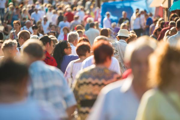 A demografia é uma ciência que realiza diversos estudos populacionais.