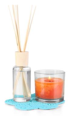 Sentimos o cheiro de um perfume, de aromatizantes e de velas perfumadas porque algumas de suas moléculas escapam, espalhando-se (difundem-se) pelo ar