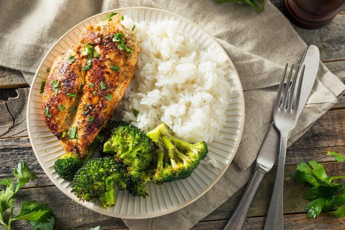 O brócolis, quando cozido exageradamente, pode perder grande parte de seus nutrientes.