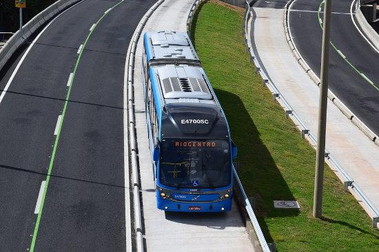 O BRT é uma solução de transporte coletivo que demanda menor quantidade de recursos financeiros para sua implantação.2