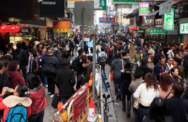 A China é considerada um país populoso, pois tem uma elevada população absoluta.*