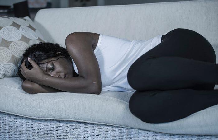 A depressão não é uma simples tristeza e causa, entre vários sintomas, apatia, desânimo e autodesvalorização.