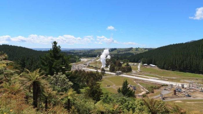 A energia geotermal é oriunda do calor gerado no interior do planeta.