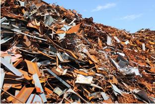 Grande prejuízo causado por enorme quantidade de peças e equipamentos enferrujados