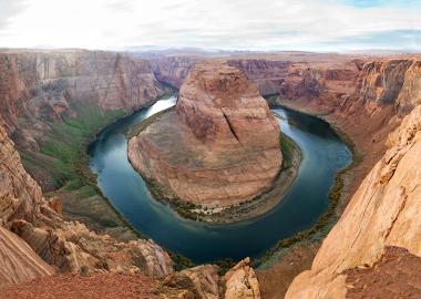 As erosões geológicas modelam lentamente os solos e as paisagens