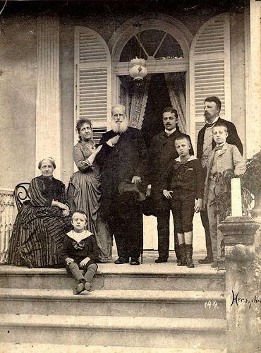 Uma das últimas imagens da família real ainda no poder no Brasil, em 1889. **
