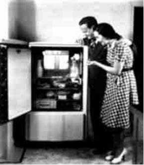 Os usuários das geladeiras até a decada de 1970 não imaginavam que o CFC contido nelas era responsável pela destruição da camada de ozônio.