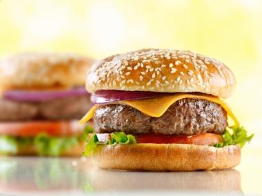 Os sanduíches e outras comidas rápidas são os grandes vilões da obesidade atualmente