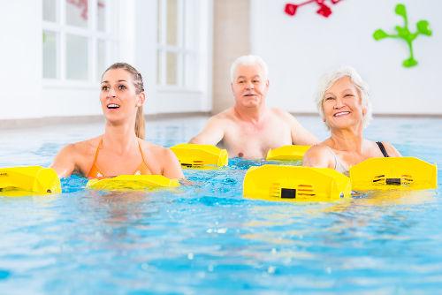 A hidroterapia é uma modalidade de técnica fisioterápica realizada na água