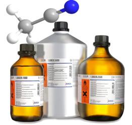A acetonitrila é muito usada como solvente