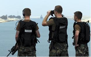 Coletes à prova de bala feitos de kevlar são importantes para a proteção dos soldados