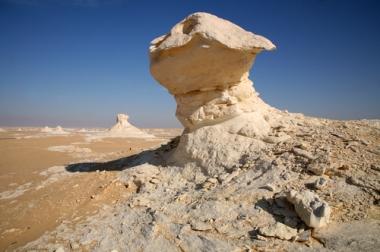 Exemplo de formação rochosa esculpida pela ação dos ventos