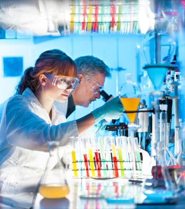 Laboratório de Química usado para realizar experimentos e comprovar por meio de provas verídicas seus argumentos