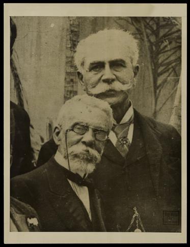 Machado de Assis e Joaquim Nabuco fundaram a Academia Brasileira de Letras (foto de Augusto Malta / Biblioteca Nacional).
