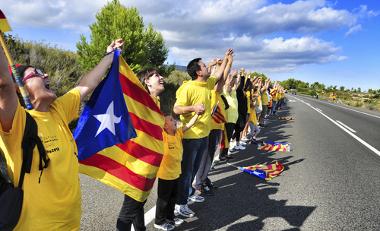1 milhão e 600 mil catalães formaram um cordão humano de 400 km, em setembro de 2011 ²