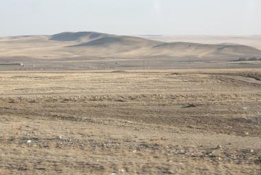 Região onde antes era o Mar de Aral agora é um deserto com solos salinizados e improdutivos