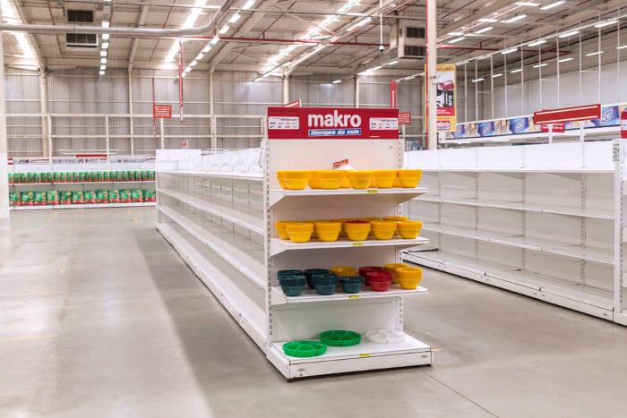 Mercado em Caracas com suas prateleiras vazias, fruto da crise de abastecimento causada pela crise econômica.**