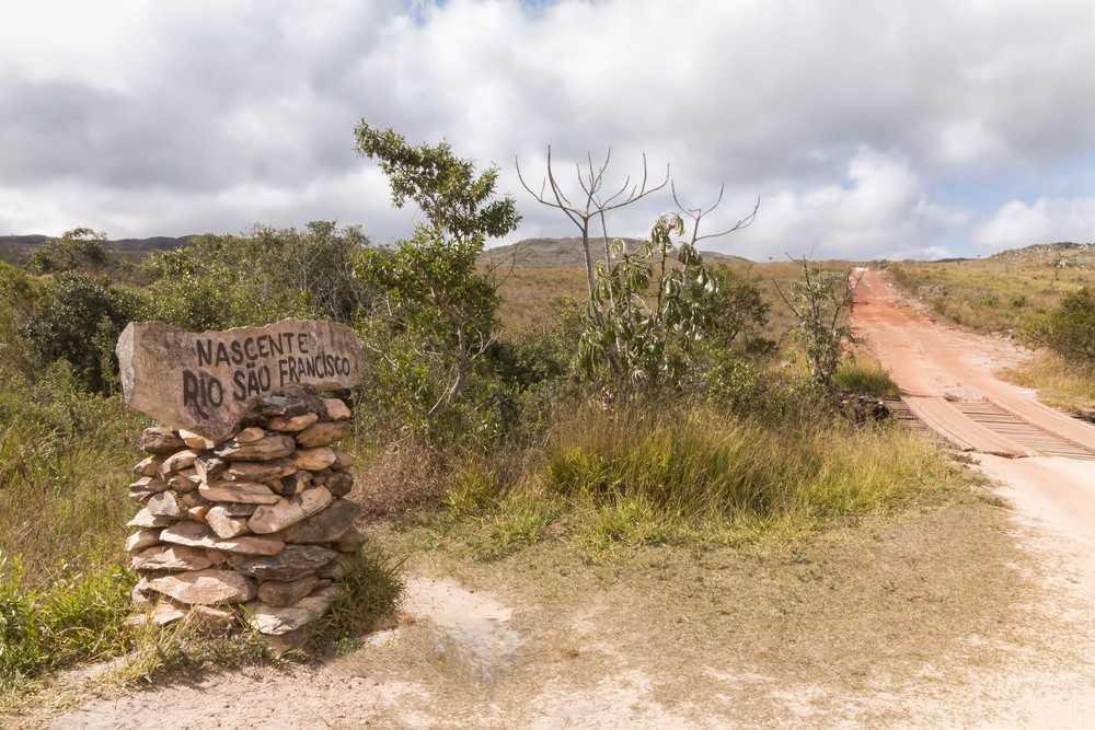 A nascente do Rio São Francisco encontra-se no estado de Minas Gerais.