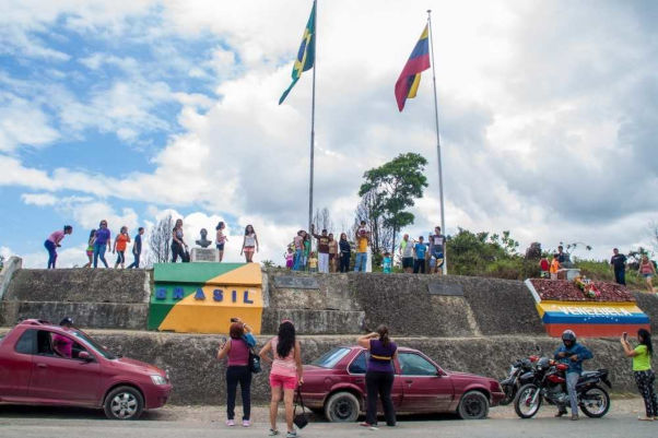 Pacaraima, cidade roraimense que faz fronteira com a Venezuela, tem recebido intenso fluxo migratório.*