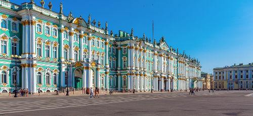 O Palácio de Inverno foi casa dos czares russos e palco, em 1905, do Domingo Sangrento