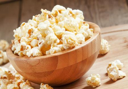A pipoca é um alimento rico em fibras, mas durante seu aquecimento, forma acrilamida