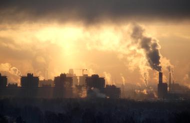 Inversão térmica: os poluentes encontram dificuldades para se dispersarem
