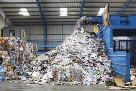 A reciclagem começa a ser realizada quando separamos adequadamente o nosso lixo