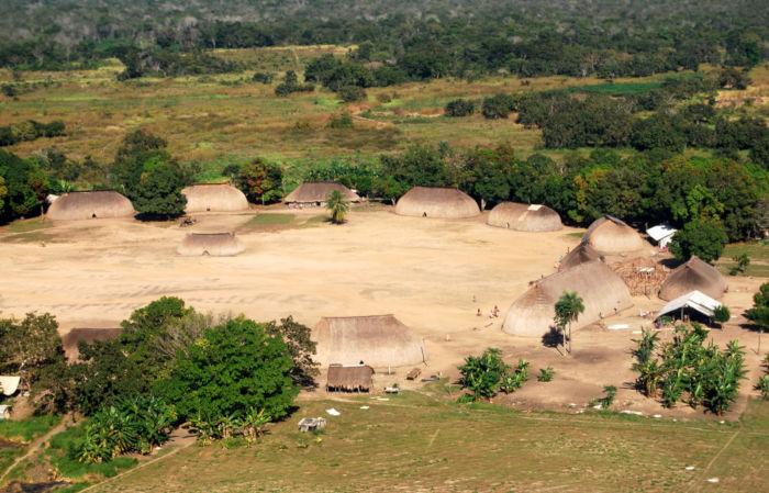 Aldeia indígena Kamayura que vive isolada no estado do Mato Grosso.