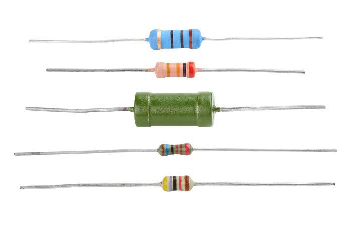 Os resistores são produzidos em diversos tamanhos e resistências elétricas diferentes.