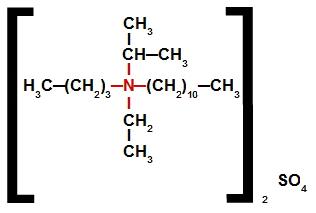 Sal de amônio quaternário que apresenta o ânion sulfato em sua estrutura