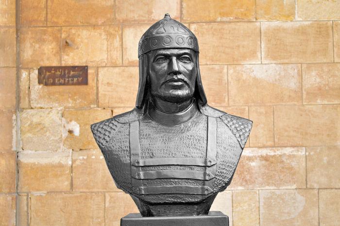 Saladino, líder dos aiúbidas, liderou o ataque a Jerusalém em 1187.