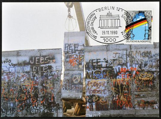 Selo alemão de 1990 em comemoração à queda do muro de Berlim**
