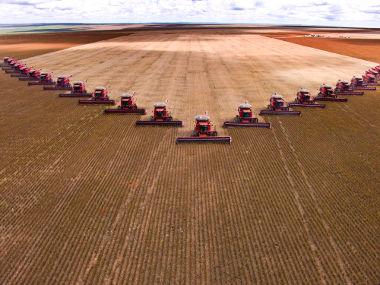 Produção mecanizada de soja no Mato Grosso **