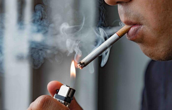 O tabagismo está relacionado com uma série de doenças que afetam o sistema respiratório e cardiovascular.