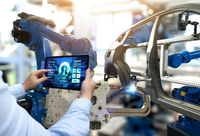 A Terceira Revolução Industrial representa o desenvolvimento tecnológico no campo científico.