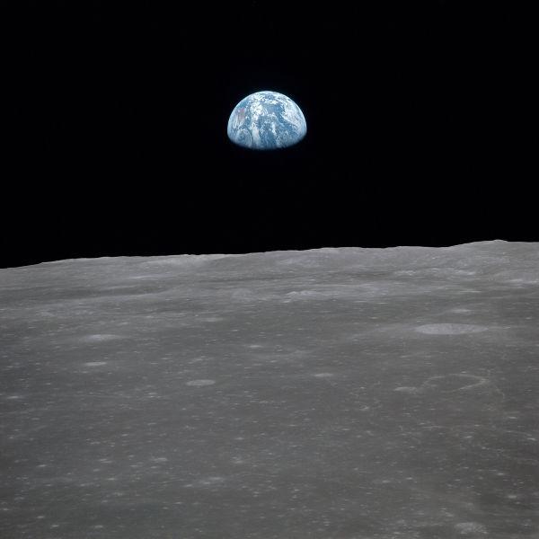 Com o Programa Apollo foi possível observar a Terra da Lua.