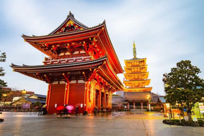 Em Tóquio, há diversos templos budistas e santuários famosos.