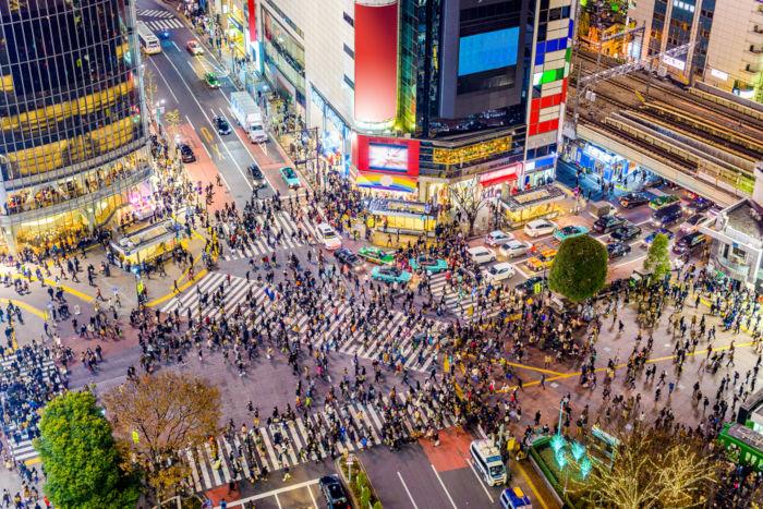 O bairro Shibuya possui o cruzamento mais movimentado do mundo.