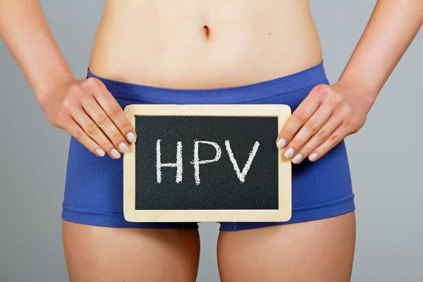 O HPV é transmitido, geralmente, via contato sexual.