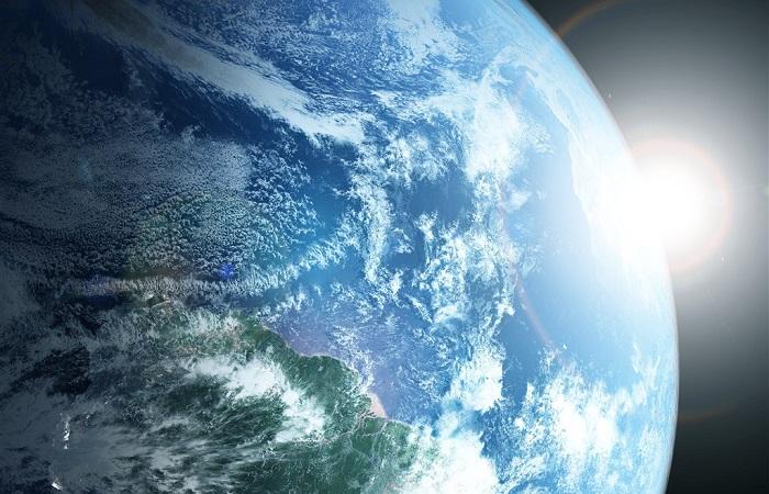 Evidências como imagens do espaço comprovam que o formato da Terra é esférico